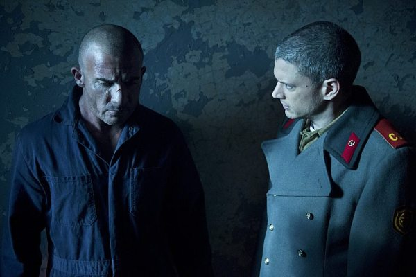 "DC's Legends of Tomorrow -- ""Fail-Safe"" -- Image LGN105A_0301b.jpg -- Pictured (L-R): Dominic Purcell as Mick Rory/Heat Wave and Wentworth Miller as Leonard Snart/Captain Cold -- Photo: Diyah Pera/The CW -- �© 2016 The CW Network, LLC. All Rights Reserved."