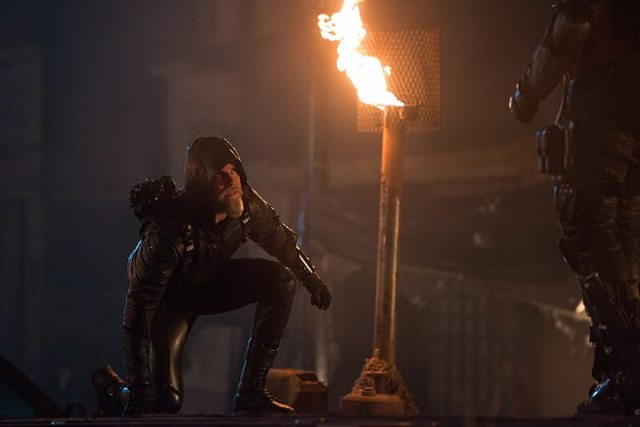 """DC's Legends of Tomorrow -- """"Star City 2046"""" -- Image LGN106b_0270.jpg -- Pictured: Steven Amell as Oliver Queen/The Green Arrow -- Photo: Diyah Pera/The CW -- �© 2016 The CW Network, LLC. All Rights Reserved"""