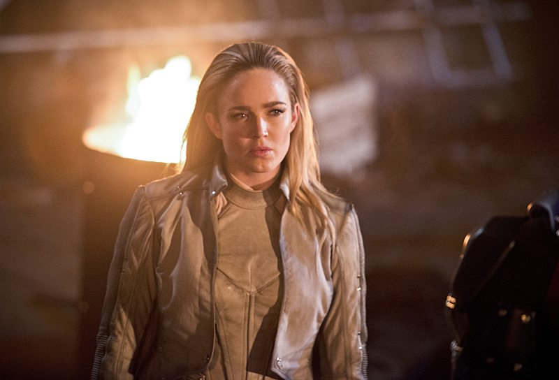 "DC's Legends of Tomorrow -- ""Star City 2046"" -- Image LGN106b_0356b.jpg -- Pictured: Caity Lotz as Sara Lance/ White Canary -- Photo: Diyah Pera/The CW -- �© 2016 The CW Network, LLC. All Rights Reserved."