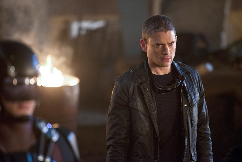 "DC's Legends of Tomorrow -- ""Star City 2046"" -- Image LGN106b_0361b.jpg -- Pictured: Wentworth Miller as Leonard Snart/Captain Cold -- Photo: Diyah Pera/The CW -- �© 2016 The CW Network, LLC. All Rights Reserved."