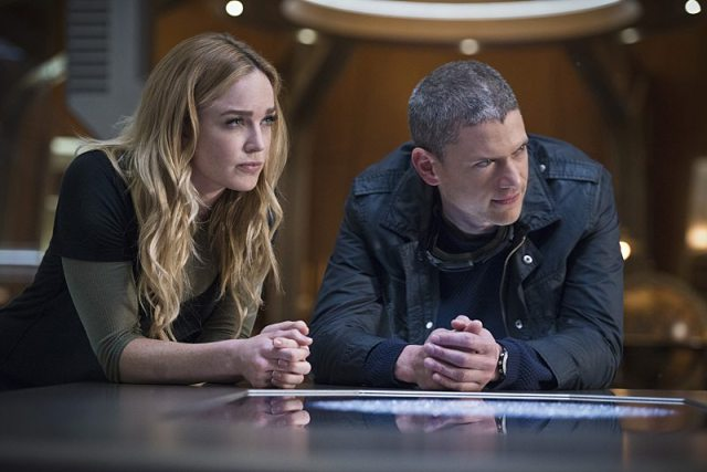 """DC's Legends of Tomorrow -- """"White Knights"""" -- Image LGN104A_0209b.jpg -- Pictured (L-R): Caity Lotz as Sara Lance/White Canary and Wentworth Miller as Leonard Snart/Captain Cold -- Photo: Diyah Pera/The CW -- �© 2016 The CW Network, LLC. All Rights Reserved."""