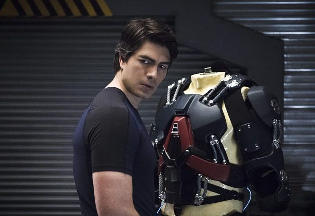 """DC's Legends of Tomorrow -- """"Blood Ties"""" -- Image LGN103A_0010b.jpg -- Pictured: Brandon Routh as Ray Palmer/Atom -- Photo: Cate Cameron/The CW -- �© 2016 The CW Network, LLC. All Rights Reserved"""