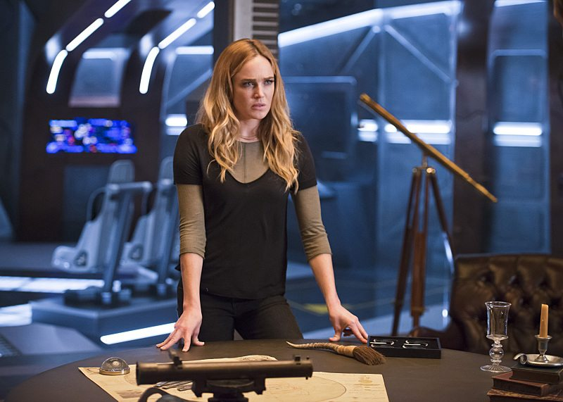 "DC's Legends of Tomorrow -- ""White Knights"" -- Image LGN104A_0260b.jpg -- Pictured (L-R): Caity Lotz as Sara Lance/White Canary -- Photo: Diyah Pera/The CW -- �© 2016 The CW Network, LLC. All Rights Reserved."