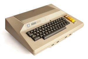 Atari_800 by Wikimedia user Bilby (CC BY 3.0)