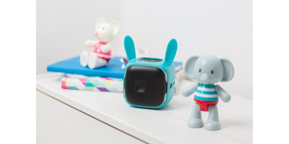 Indiegogo Alert: CINEMOOD Storyteller Projector Literally Puts Video Into Kids' Hands