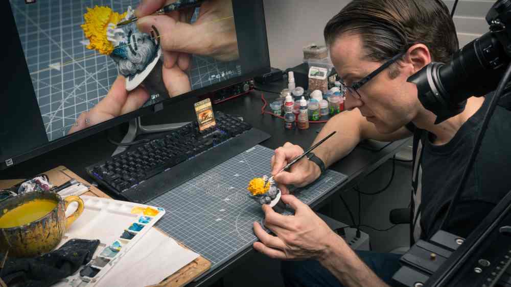 Sorastro in his studio