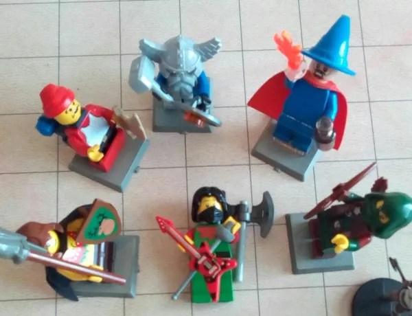 LEGO D&D adventuring party