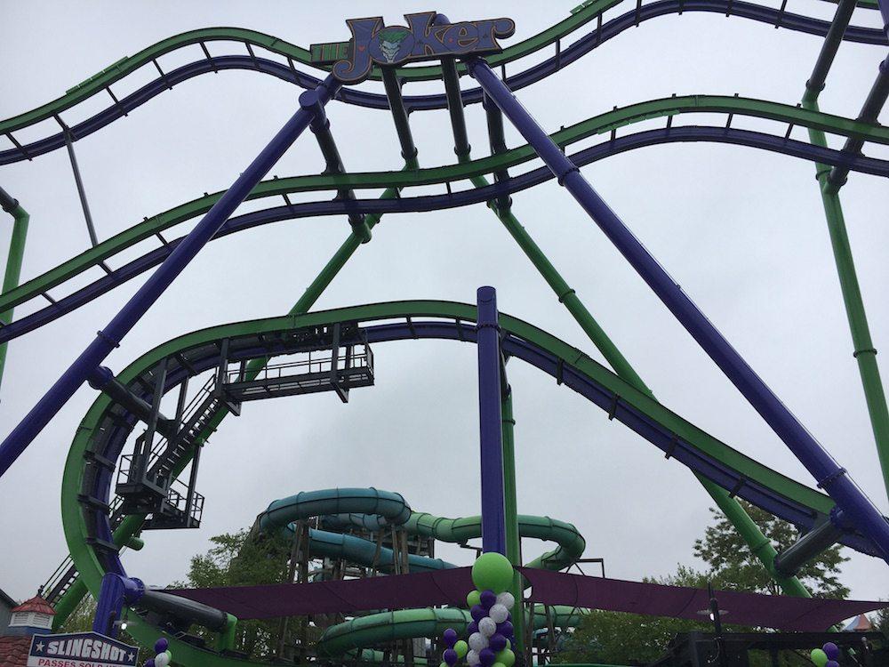 Roller coaster: Joker 4D at SixFlagsNewEngland