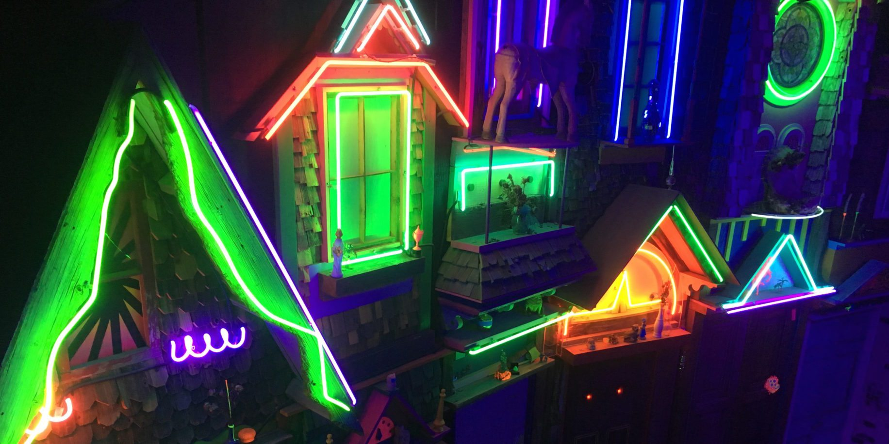 Meow Wolf: Multiverse, Mystery, and Maker's Paradise