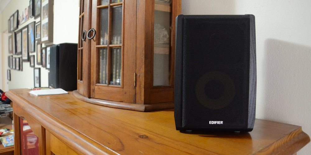"Edifier R1010BT Speakers Review: Just What Are ""Bookshelf Speakers""?"