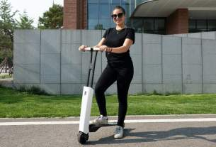 The Mantour X Electric Scooter is light on weight and heavy on features.