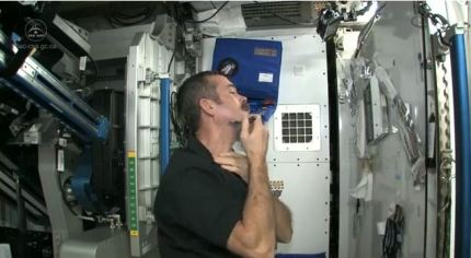 How Astronauts Shave