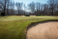 #4 - The greenside right bunkers are not where you want to be (photo by Scott Vincent)