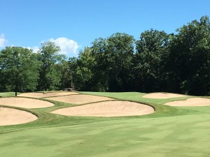 MilwaukeeCC11-Fairwaybunkers