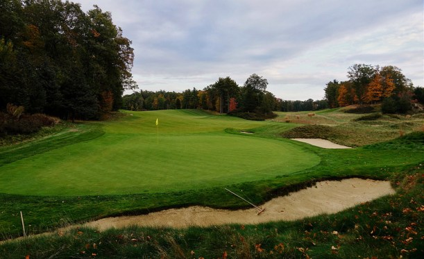 BostonGolfClub14-Greenbehind.jpg