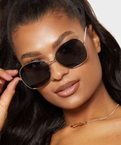 black gradient aviator sunglasses