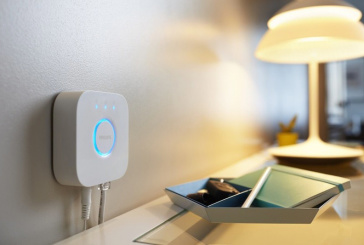 Philips Hue Bridge 2.0 Enables Siri Voice Commands With Apple HomeKit