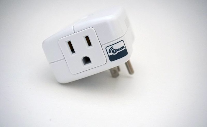 GE Plug-in Smart Switch Z-Wave Module Outlet