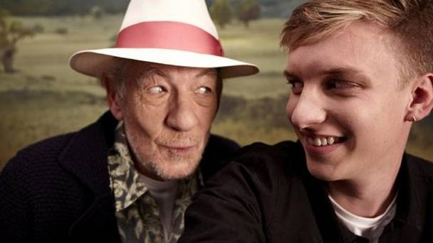George Ezra and Ian McKellen are a fantastic music duo!