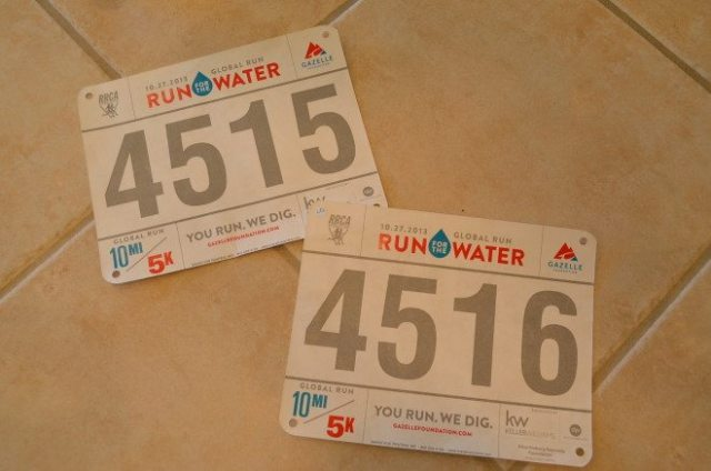They sent race numbers, since we were officially registered, but we chose not to wear them for the running itself. Photo: Patricia Vollmer.