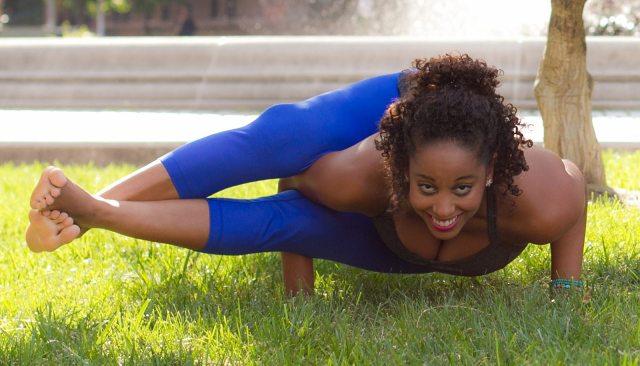 Tesserect yoga pose