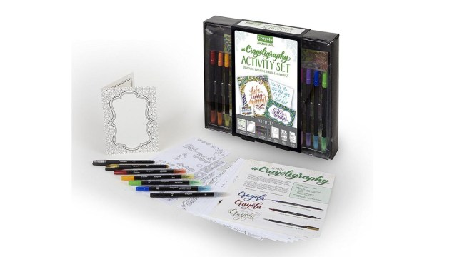 Crayola Signature Crayoligraphy Calligraphy Art Set