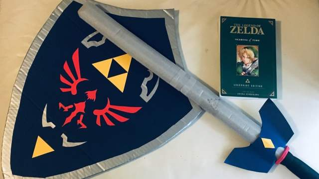 DIY kids cosplay cardboard hylian shield