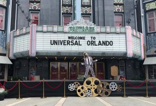 Beetlejuice welcomes guests to Universal Orlando \ Image: Brian Sullivan
