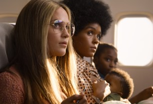 Alicia Vikander as Gloria Steinem and Janelle Monáe as Dorothy Pitman Hughes in THE GLORIAS Courtesy of LD Entertainment and Roadside Attractions