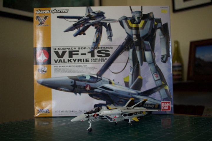 The completed Bandai VF-1S Veritech model. 1/72 scale.