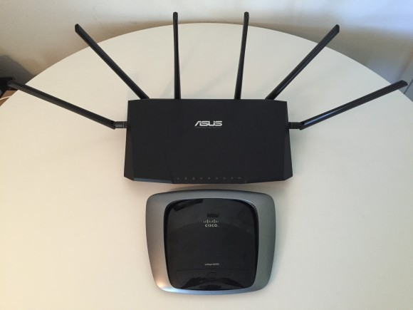 Asus RT-AC3200 vs Linksys E2000 size comparison