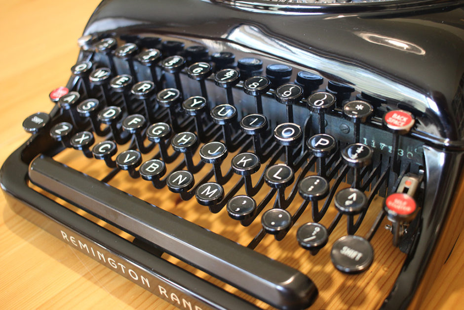 Keys on the Remington Rand Streamliner Typewriter.