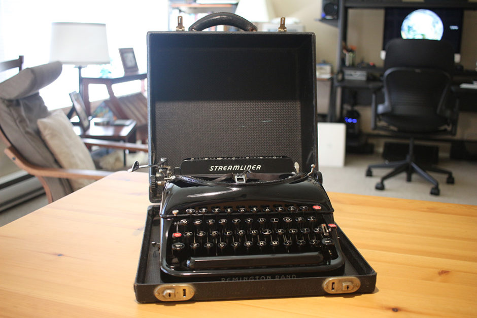 Remington Rand Streamliner Typewriter with Carrying Case.