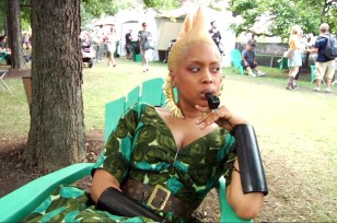 Erykah Badu backstage at 2010 Lollapalooza