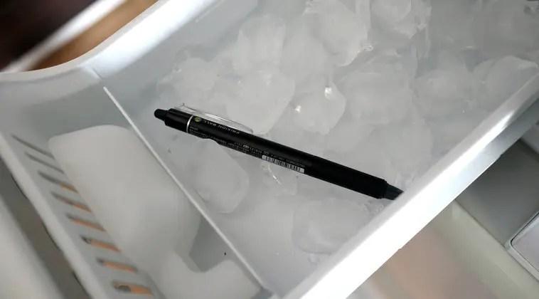 フリクションボールペンを冷凍庫へ