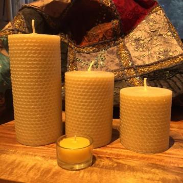 beeswax candles to purify air