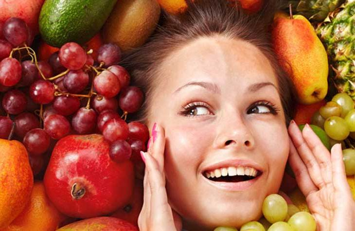 Foods That Can Help You Look Younger And Age Early