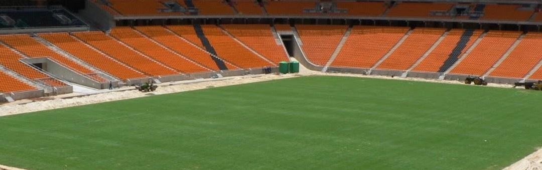 Brandy Meets Empty Stadium During Mandela Event