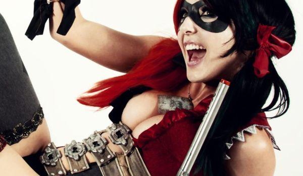 Jessica Nigri – Harley Quinn Cosplay