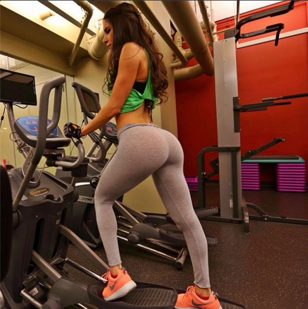 Jen Selter's Perfect Bottom Has 1.3 million Followers on Instagram