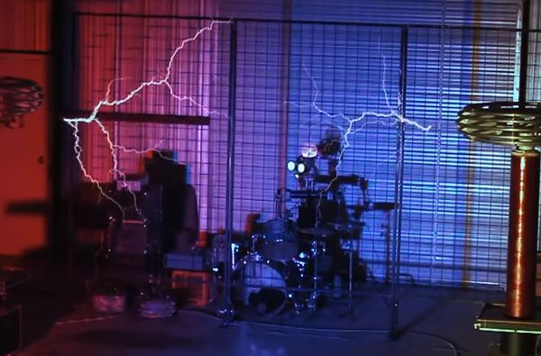 Pacific Rim Theme Song Awesomeness with Robot Drumming and Tesla Coils
