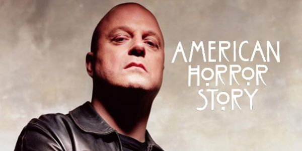 "Michael Chiklis officially joins ""American Horror Story: Freak Show"""