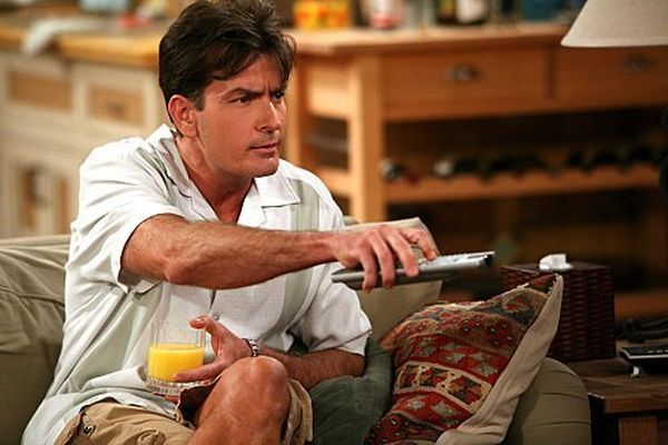 Charlie Sheen Wants to Return for 'Two and a Half Men' Series Finale
