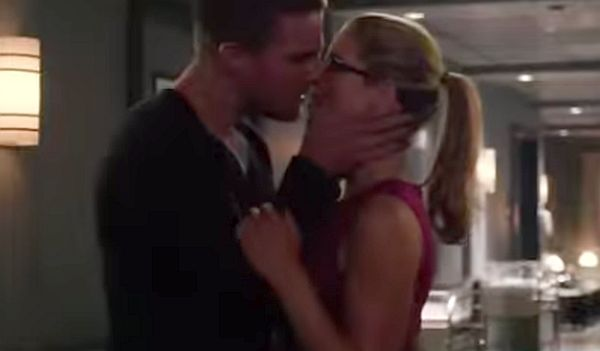 Oliver and Felicity Kiss in New 'Arrow' Season 3 Promo (Courtesy of YouTube)