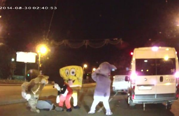Russian Dashcam Reveals Mickey Mouse and SpongeBob In A Road Rage Fight