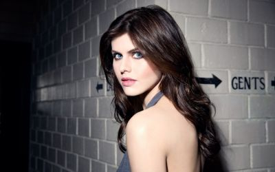 Top 10 Alexandra Daddario Sexiest GIF's from 2020