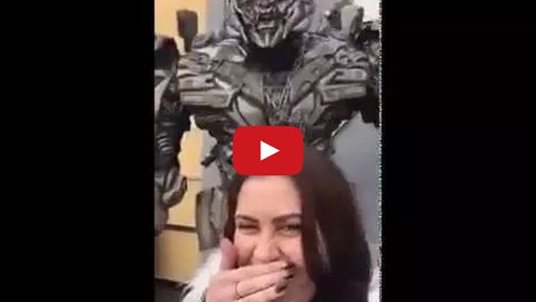 Megatron Has the Perfect Response to Selfies and Social Media