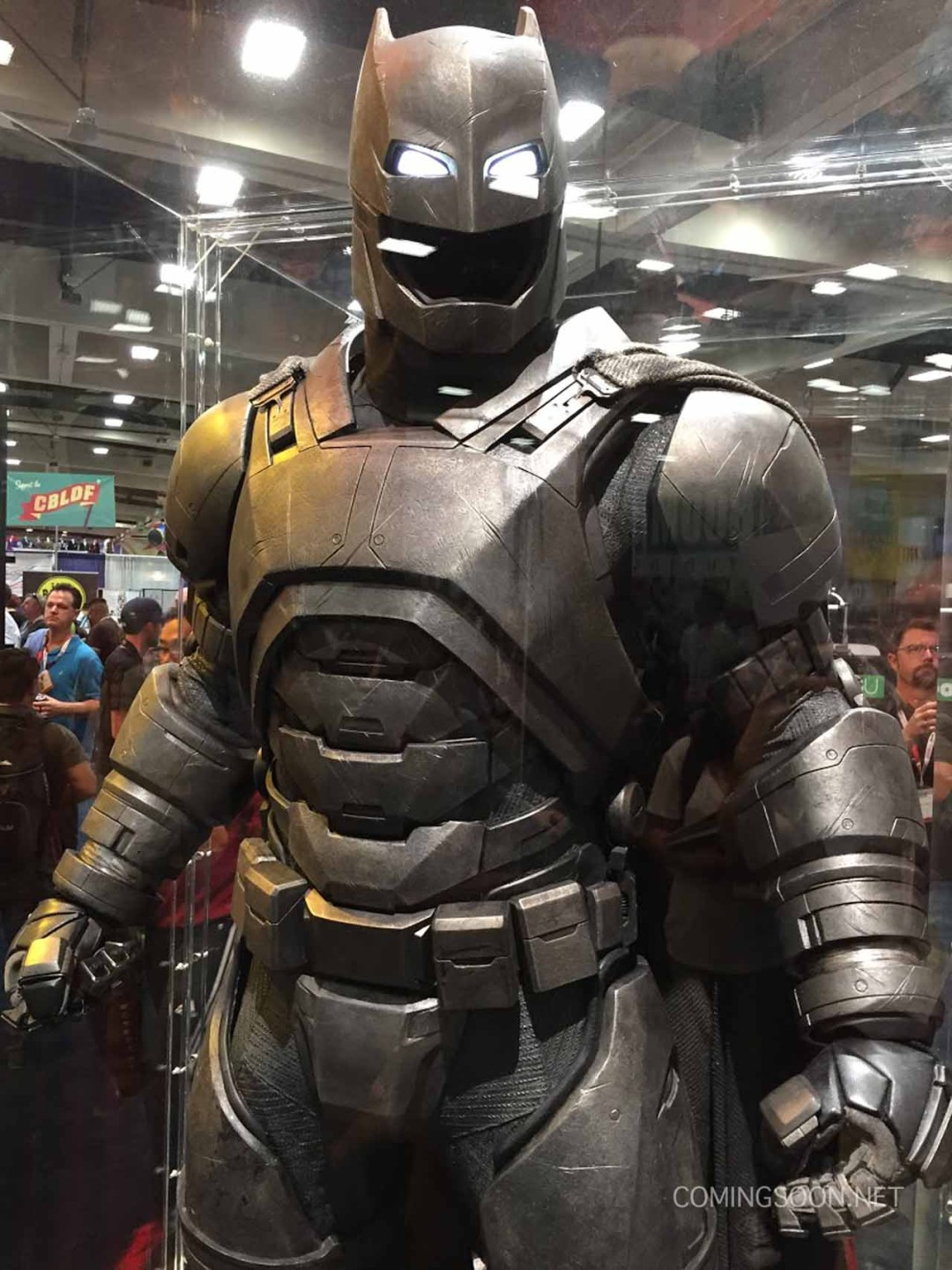 batman-vs-superman-comic-con-2015-images-2