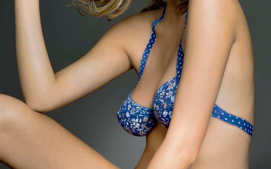 5 Sexiest body paint models