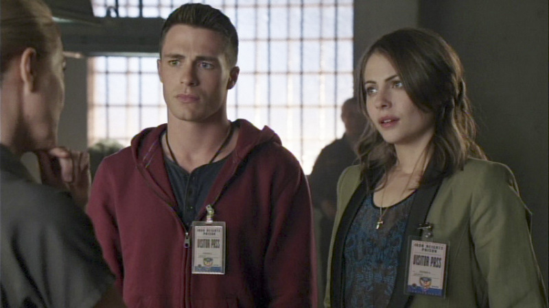 Roy_Harper_Colton_Haynes_and_Thea_Queen_Willa_Holland-2.jpg